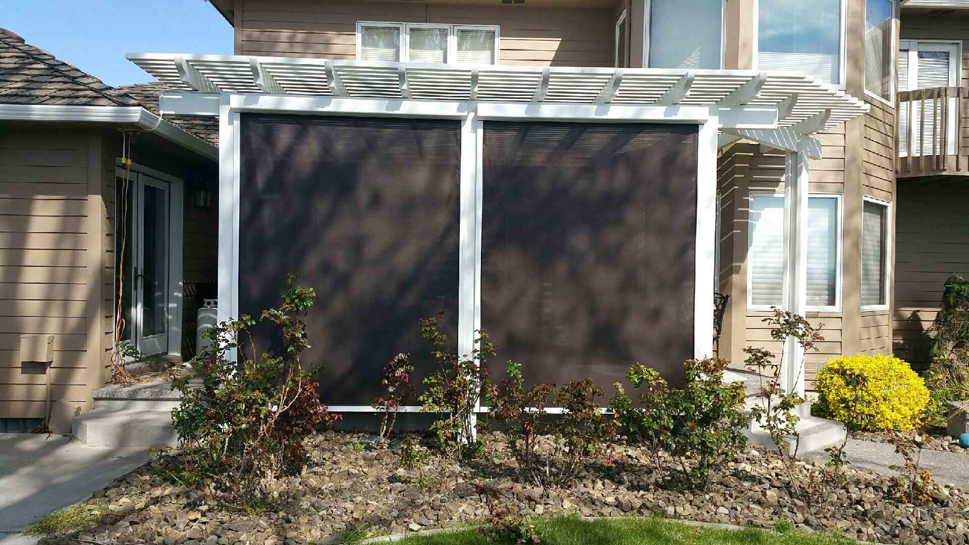 Pergola with Solar Drop Screens in Richland